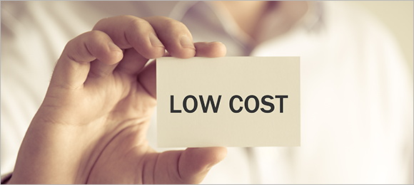 弊社はクライアント企業様だけでなく、BooMStarと直接のやり取りを基本としています。その結果、中間マージンを極力排除した低コストで様々な分野のBooMStarを活用することができます。